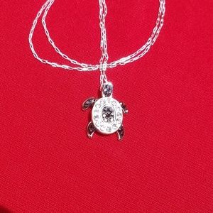 Jewelry - Tiny turtle Necklace